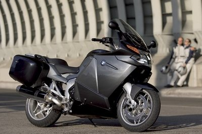 BMW recalls 122,000 motorcycles over brake issue