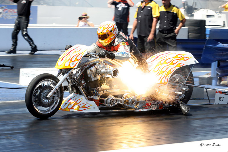 Harley-Davidson Drag Racing, the book that has it all High Resolution - image 360277
