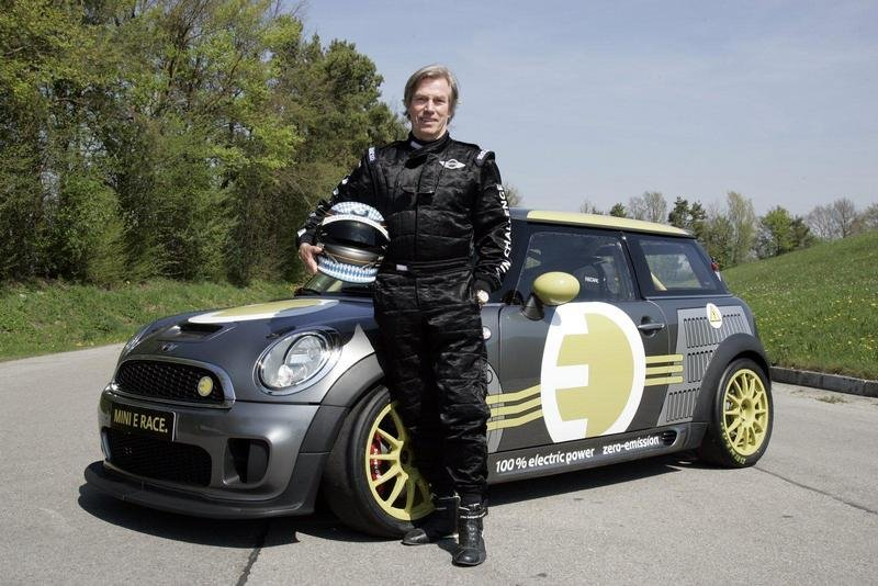 HRH Prince Leopold sets a date with the MINI E at the Nurburgring
