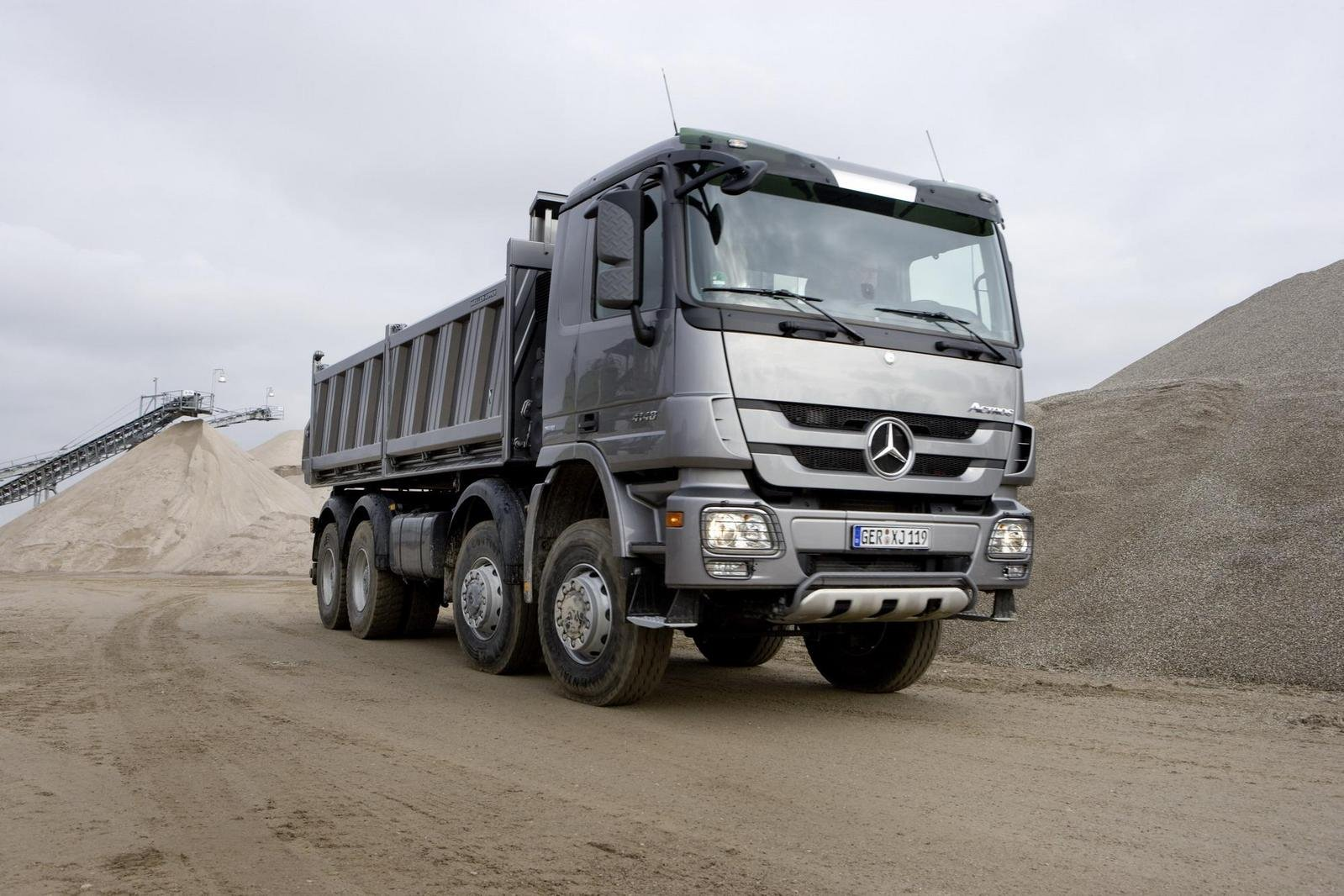 Gmc cab over engine gmc free engine image for user for Mercedes benz actros for sale