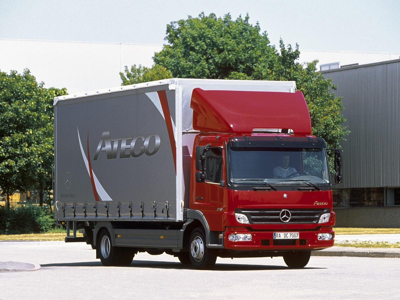 mercedes atego review top speed. Black Bedroom Furniture Sets. Home Design Ideas
