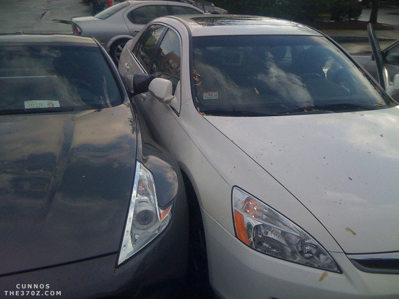 Parking FAIL: Honda Accord Hybrid parks a little too close to a 40th Anniversary Nissan 370Z