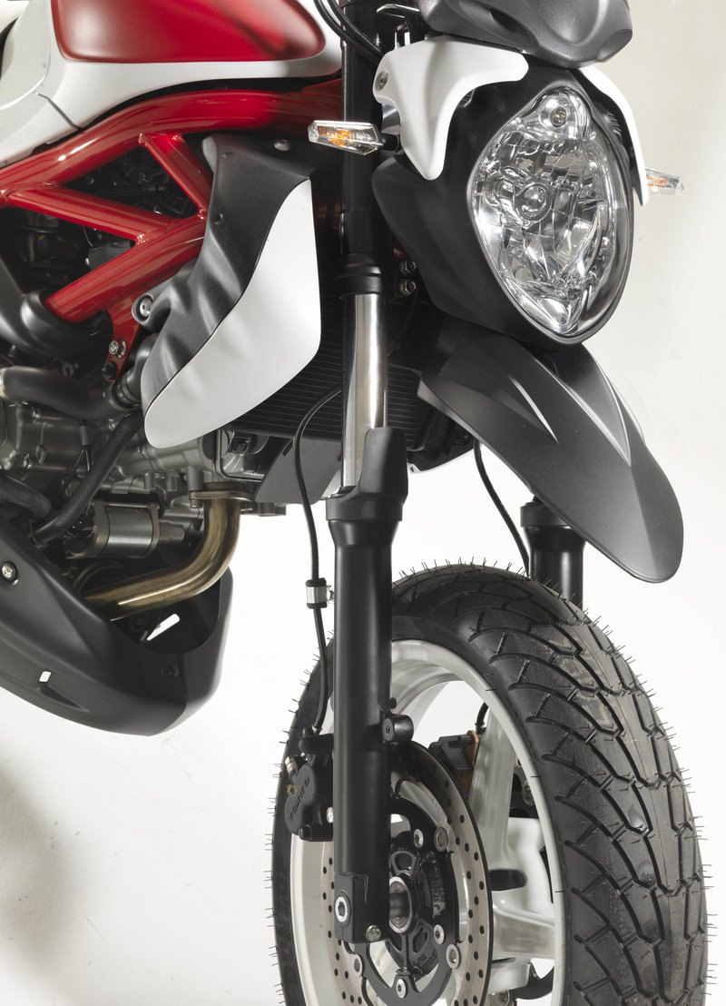 Suzuki Gladius NaSty concept brings a supermoto feel