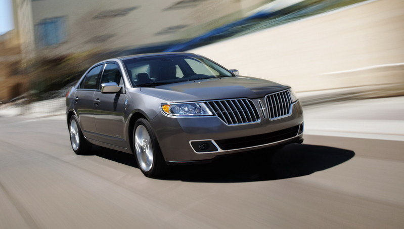 2011 Lincoln MKZ Hybrid rated at 41mpg