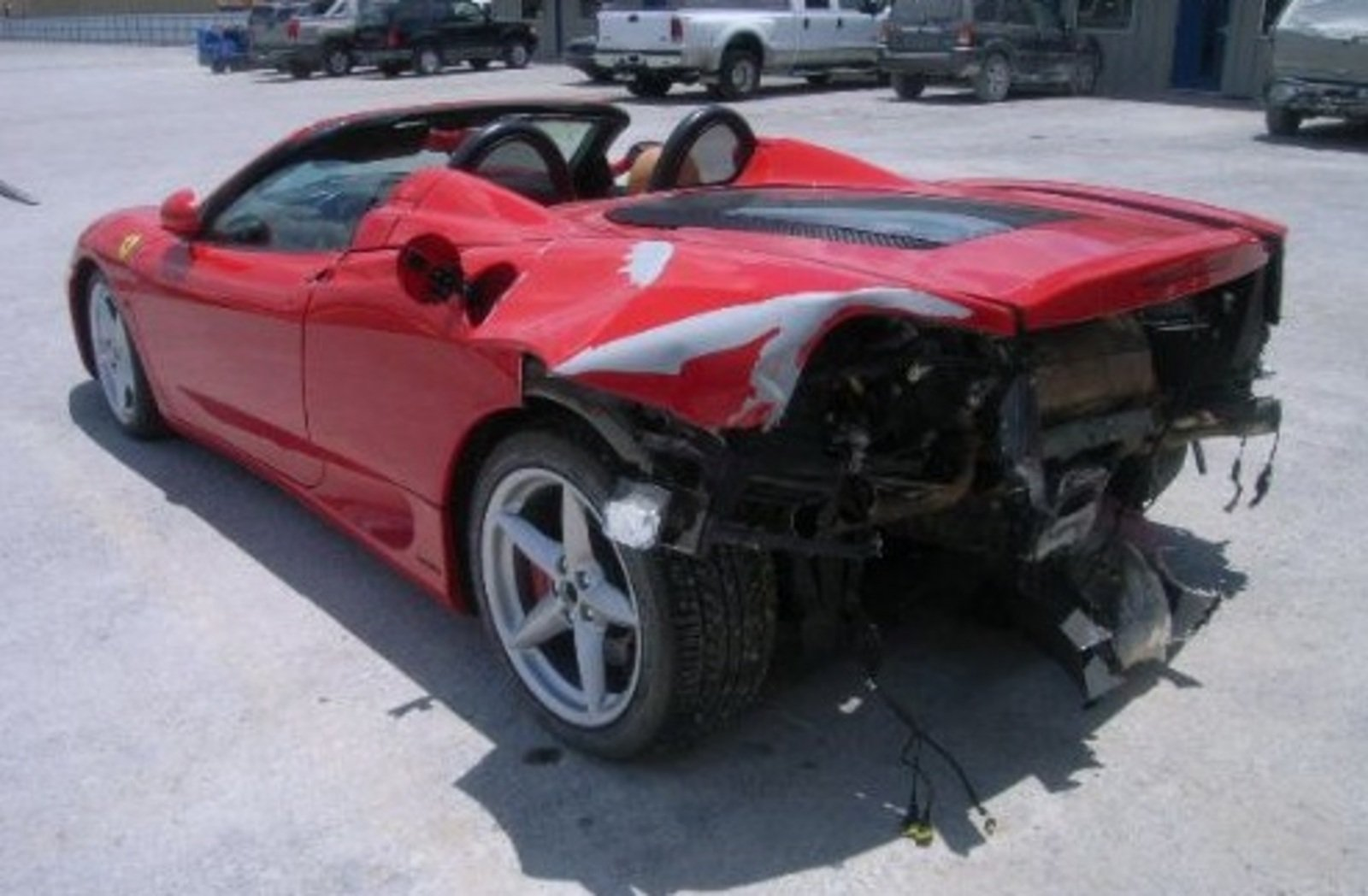 Ferrari 360 Spider Gets Rear Ended By Reckless Driver