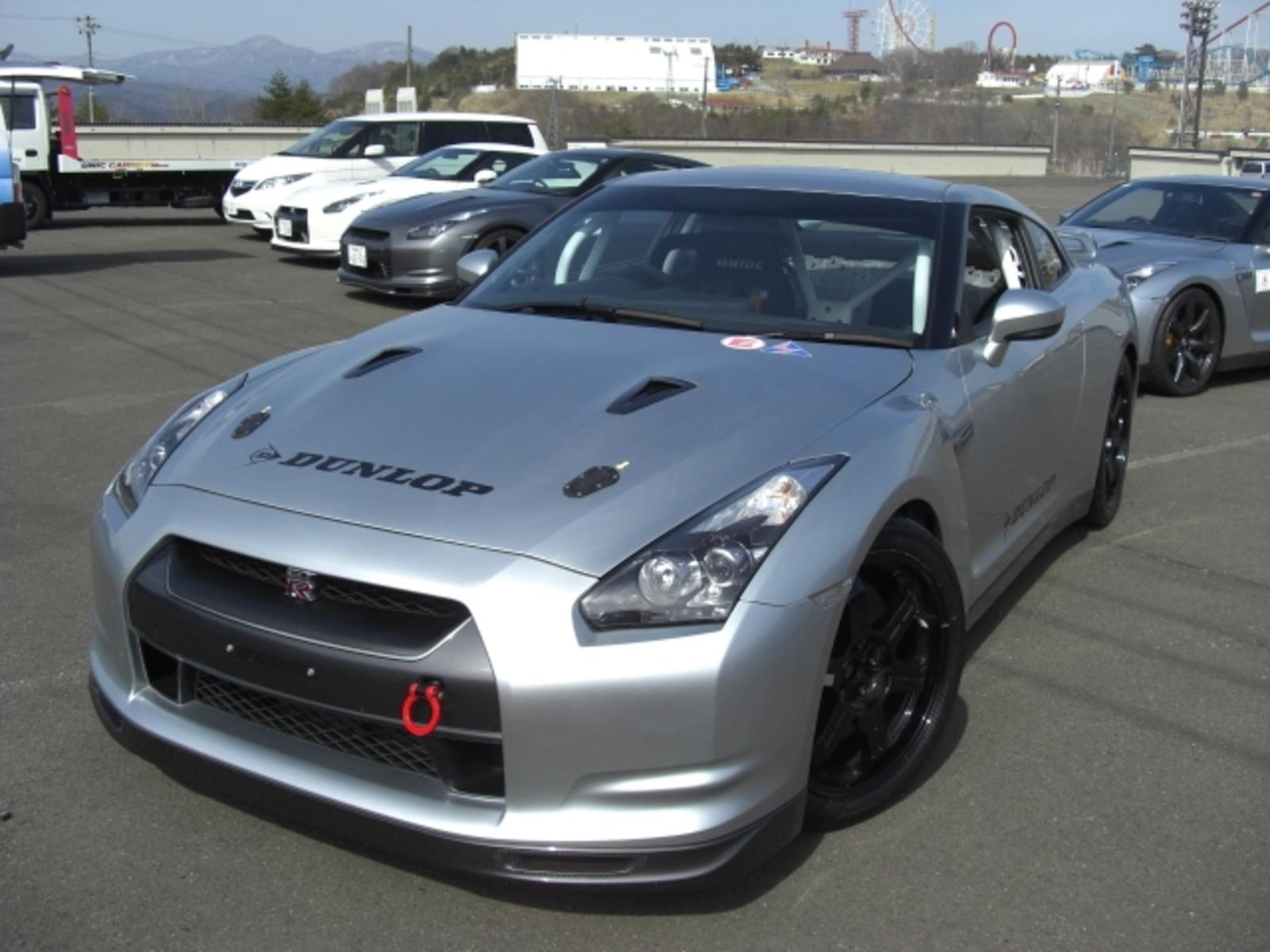 2010 nissan gt r club track edition review top speed. Black Bedroom Furniture Sets. Home Design Ideas