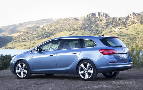 Astra Sports Tourer offers the same agile handing as the hatchback