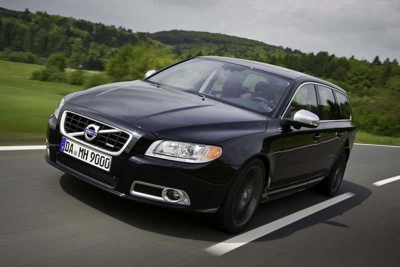 Volvo V70. 2010 Volvo V70 T6 R-Design by