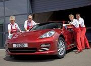 Porsche rolls out its 25,000th Panamera - image 370512