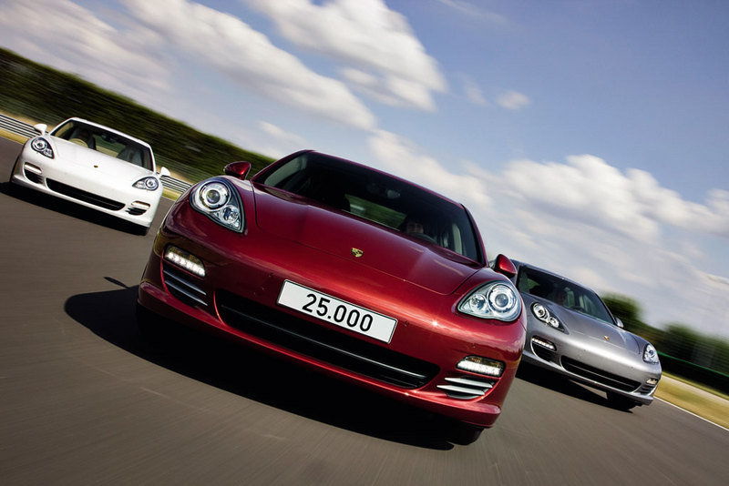 Porsche rolls out its 25,000th Panamera Exterior - image 370513