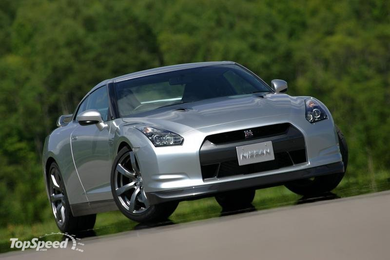 Nissan thinking of alternative powertrains for future GT-R models