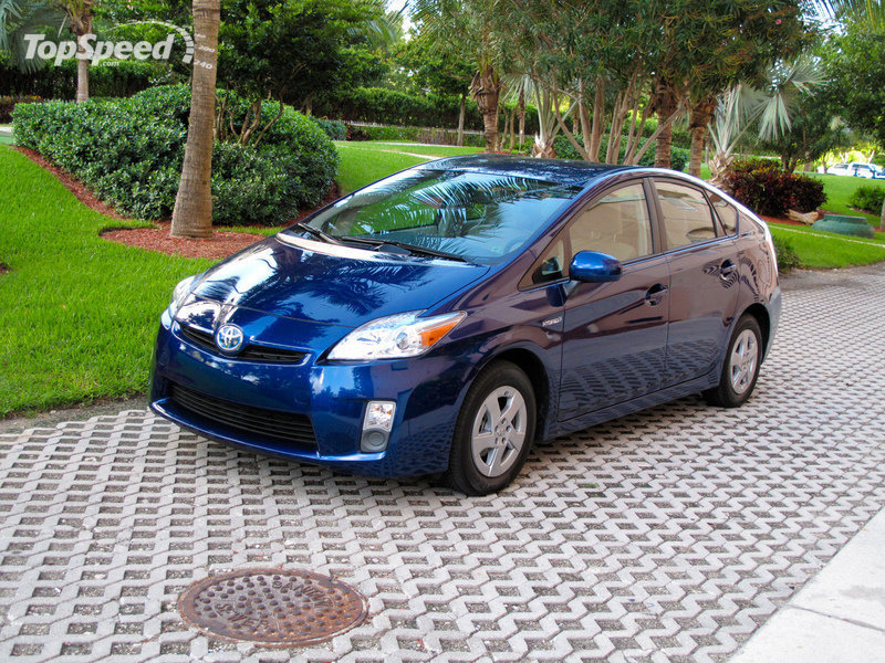 The Green Wars: 2010 Toyota Prius vs 2010 Honda Insight