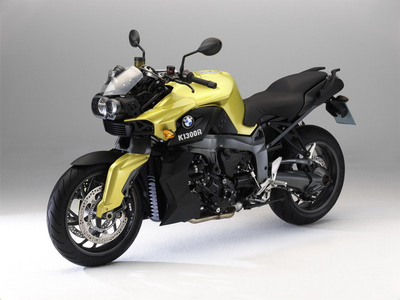 BMW F 800 ST Touring and K 1300 R Dynamic special editions