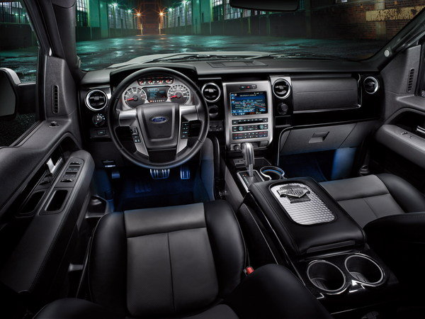 standard features on the 2011 ford harley davidson f 150 include