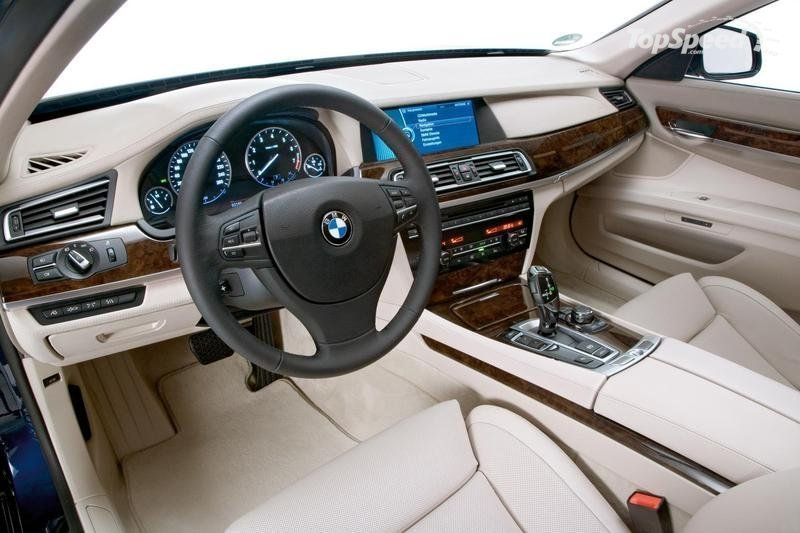 Luxury Machines: 2010 Mercedes-Benz S-Class, BMW 7-Series, Jaguar XJ, Audi A8