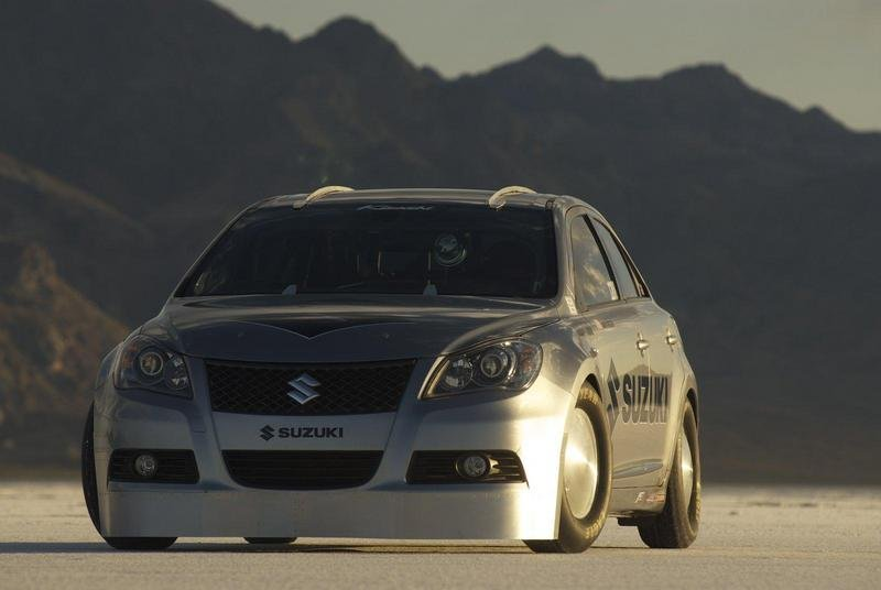 Modified Suzuki Kizashi breaks land speed record