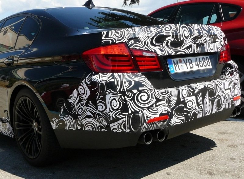 New Shots Of The BMW M5