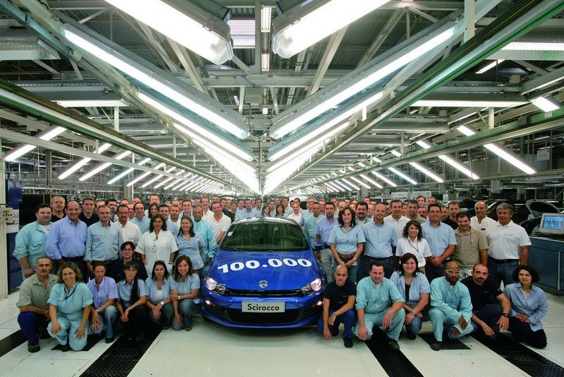 Volkswagen celebrates 100,000th Scirocco built