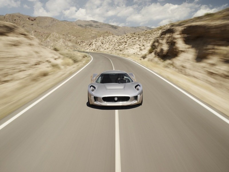 Jaguar Is Placing a Call to 2010 for the Next-Gen, Mid-Engined F-Type and Successor to the XJ220