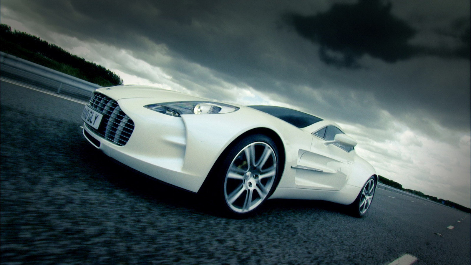2011 Aston Martin One 77 To Produce 750hp Pictures Photos