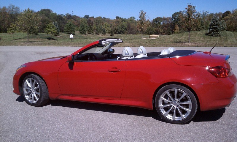 Autumn Convertibles: 2010 Infiniti G37 Convertible