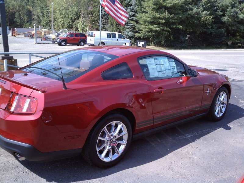 Bargain Pony Power: 2011 Ford Mustang V6 High Resolution Exterior - image 375427