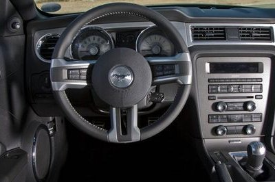 Bargain Pony Power: 2011 Ford Mustang V6 High Resolution Interior - image 375428