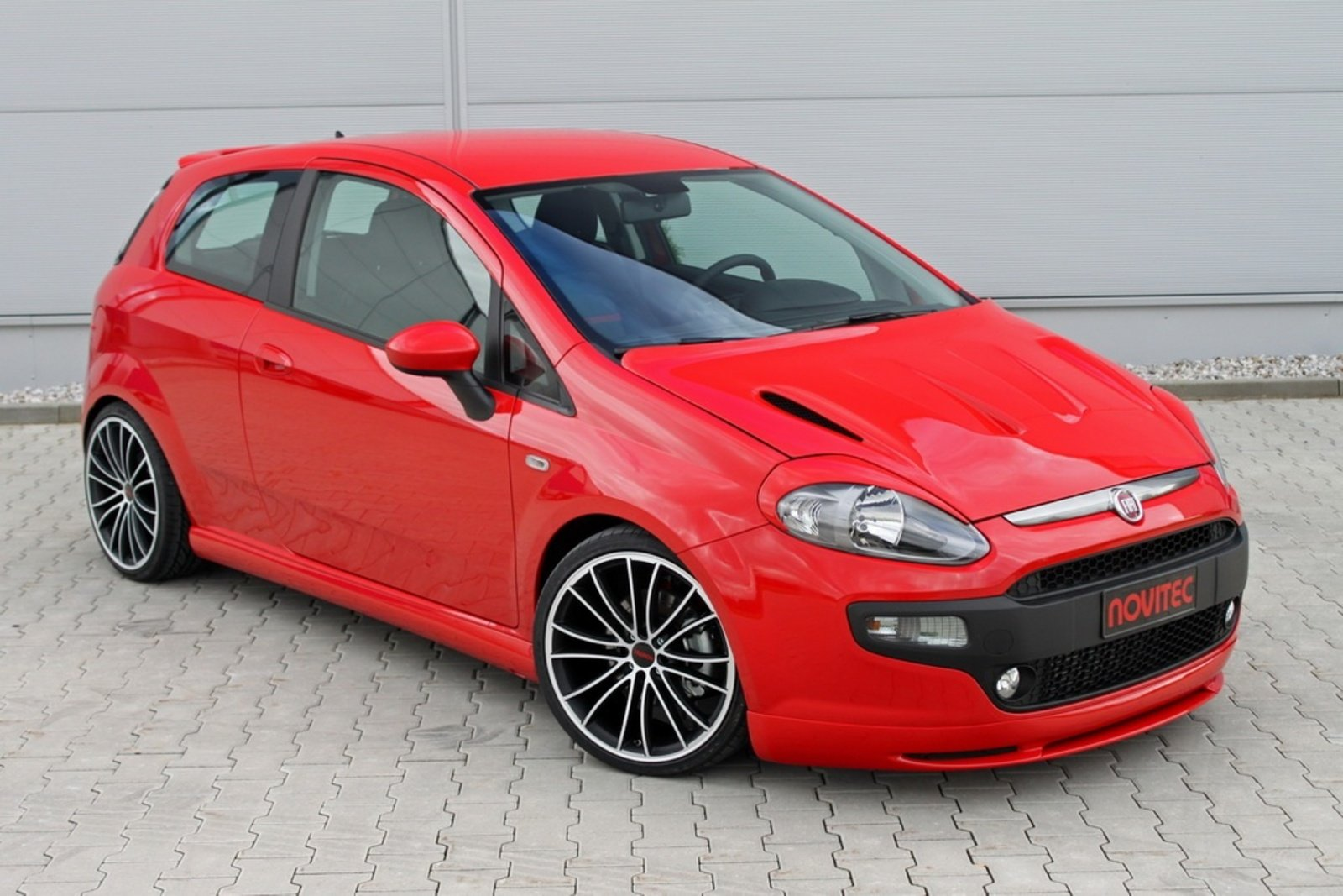 2010 fiat punto evo by novitec review top speed. Black Bedroom Furniture Sets. Home Design Ideas