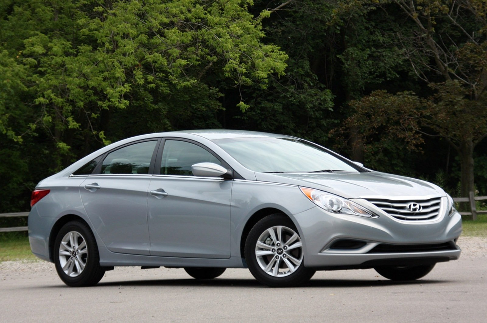 Hyundai Sonata Overtakes Nissan Altima For Third Place