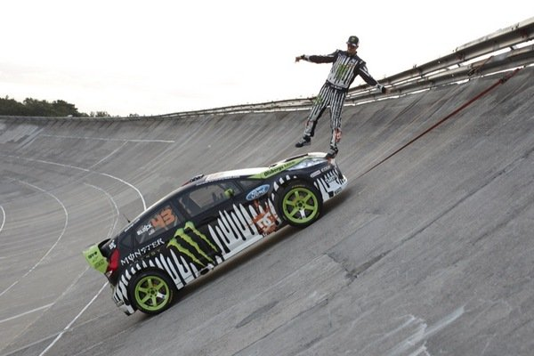 ken block 39 s gymkhana 3 video car news top speed. Black Bedroom Furniture Sets. Home Design Ideas
