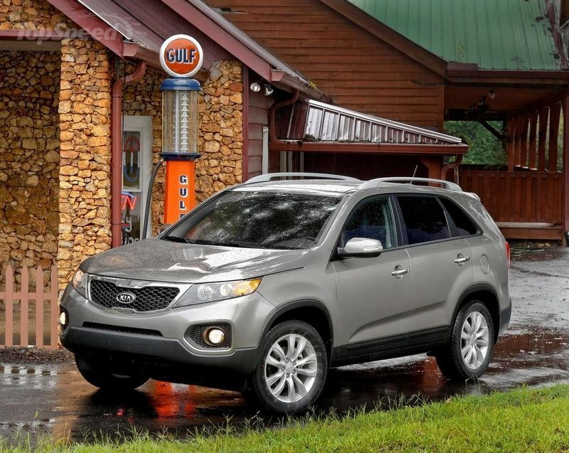 Kia to issue recall on 2010 Soul and 2011 Sorento over electrical problems