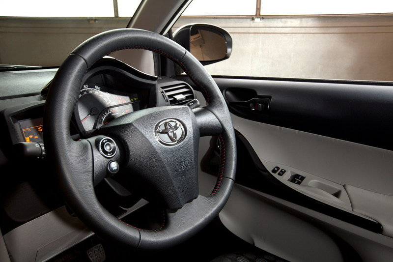 2011 Toyota iQ High Resolution Interior - image 375799