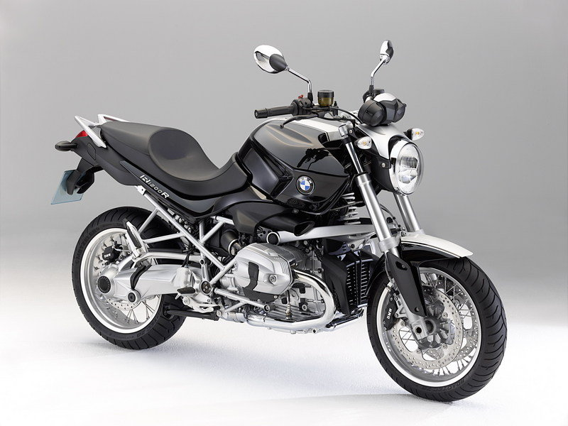 2011 BMW R 1200 R and R 1200 R Classic