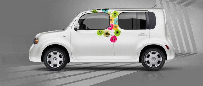Nissan jumps into the custom graphic wraps bandwagon
