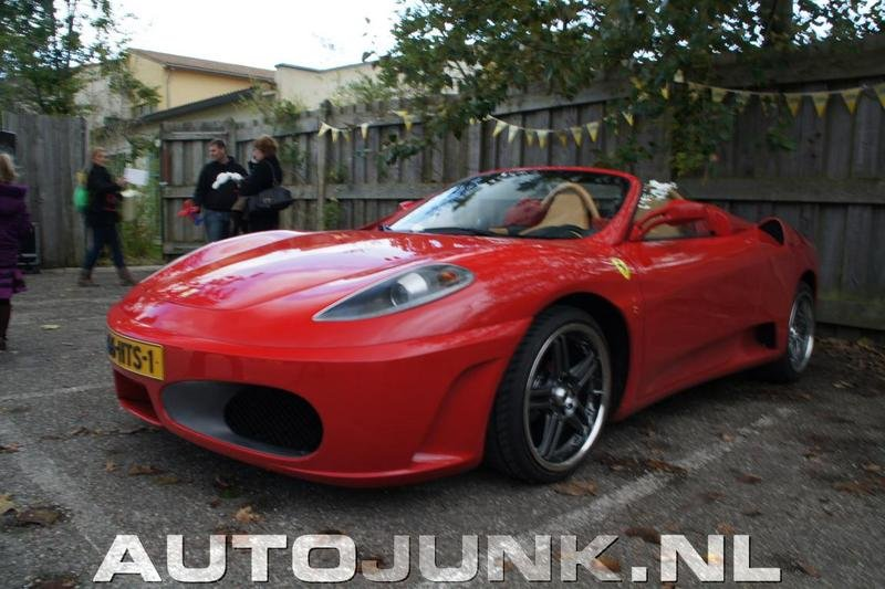 Toyota MR2 turned Ferrari F430 Spider goes side by side with the real deal