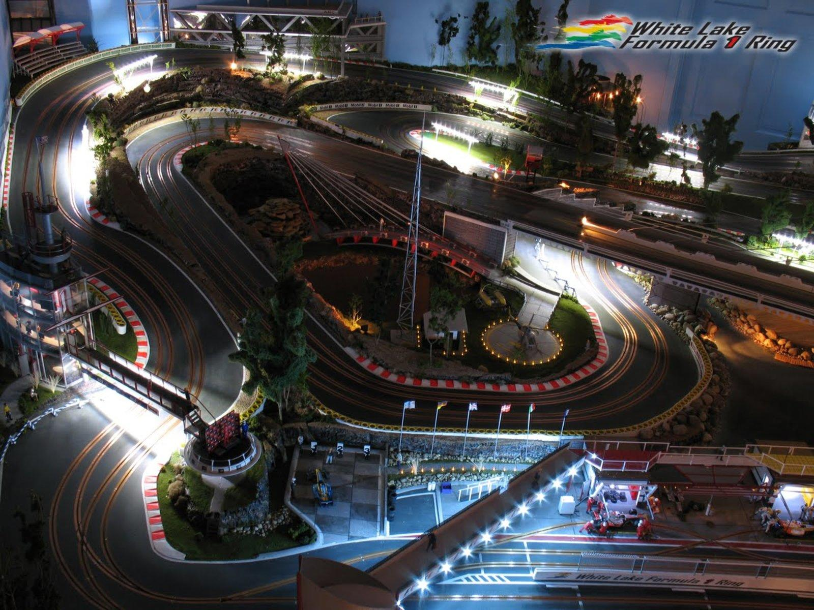 Video: Designer Builds Scale Model Of A Formula One Race