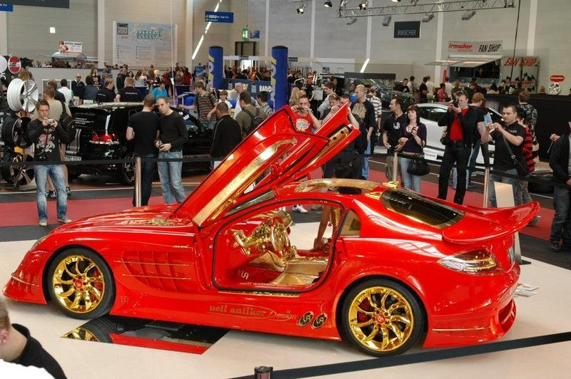 Gold-plated McLaren SLR 999 blinds Dortmund MY Show