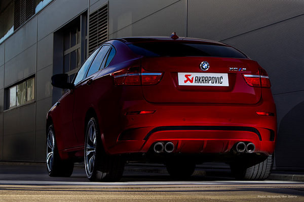 2011 bmw x6 m by akrapovic car review top speed. Black Bedroom Furniture Sets. Home Design Ideas