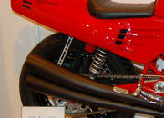 Custom one-off Ferrari 900 Motorcycle up for auction - image 386290