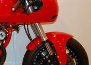 Custom one-off Ferrari 900 Motorcycle up for auction - image 386291