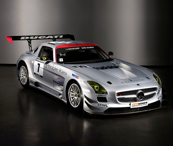 mercedes sls amg gt3 enters the 24-hour race in dubai picture
