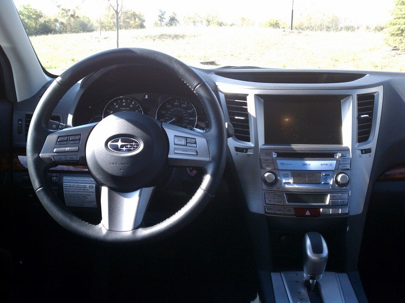 2011 Subaru Outback 3.6 High Resolution Interior - image 390713
