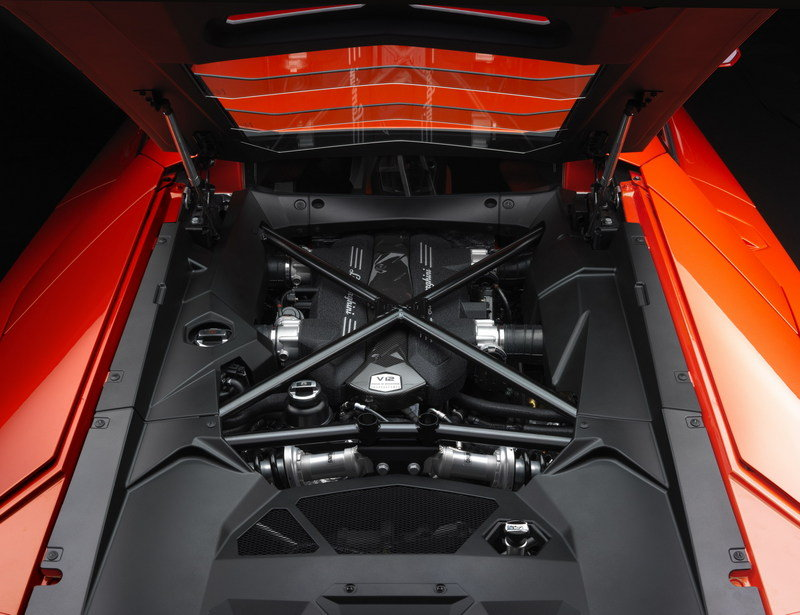 2012 Lamborghini Aventador LP700-4 High Resolution Drivetrain - image 394150