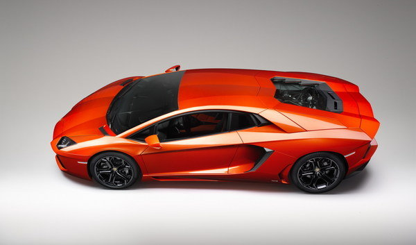 2012 Lamborghini Aventador LP700-4 | car review @ Top Speed