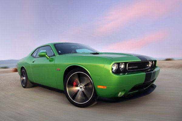 dodge challenger srt8 392 green with envy picture