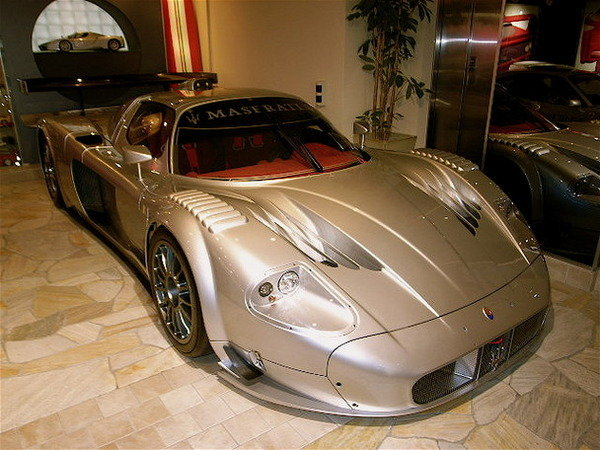 maserati mc12 corsa for sale in japan news top speed. Black Bedroom Furniture Sets. Home Design Ideas