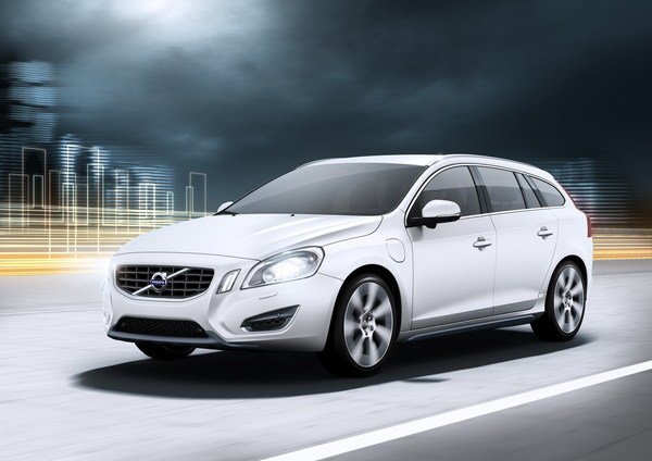 volvo v60 plug-in hybrid picture