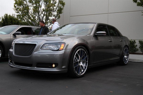 2011 Chrysler 300S Concept | car review @ Top Speed