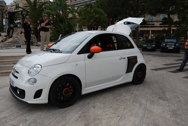 2011 abarth 500 motore centrale r230 by anzom review. Black Bedroom Furniture Sets. Home Design Ideas