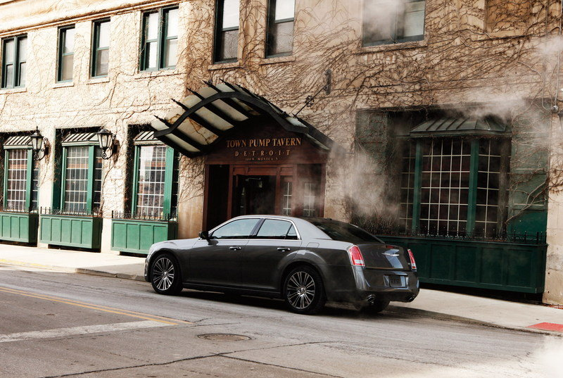 2012 Chrysler 300S High Resolution Exterior - image 399789